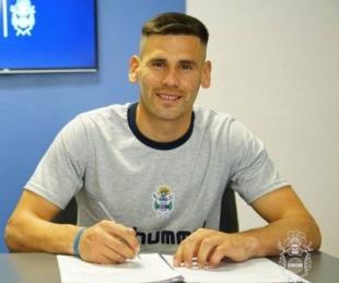 foto: El goyano Guillermo Enrique firmó su primer contrato profesional