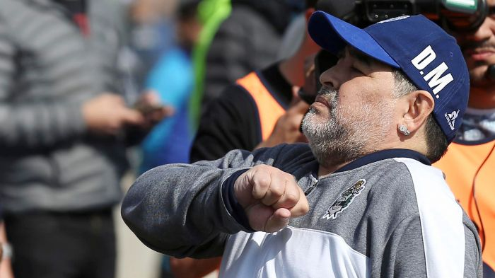 Gimnasia inaugura un mural homenaje a Diego Maradona