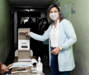 foto: Balearon la casa de una candidata a concejala del FdT en San Nicolás