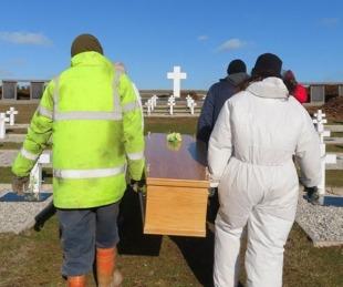 foto: Darwin: Inhumaron los restos de los ex combatientes identificados