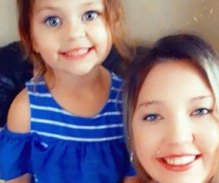 foto: Era antivacunas, se murió su nena de 4 años e hizo un desgarrador