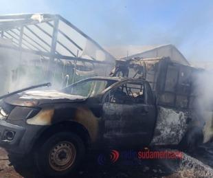 foto: Se incendió una ambulancia en la localidad de Cecilio Echevarría