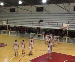 foto: Vuelve el público a los estadios de básquet en Corrientes