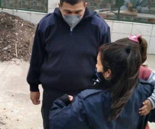 foto: Una mujer se olvidó a su hija de 3 años en un colectivo