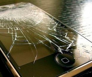 foto: Su novio le pegó y ella le tiró el celular en la cabeza: él murió y la imputaron por homicidio