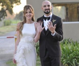 foto: Las mejores fotos del íntimo casamiento de Abel Pintos y Mora Calabrese