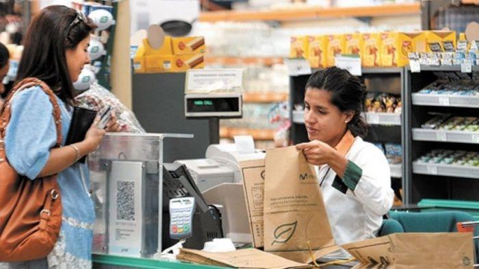 Día del Empleado de Comercio: ¿cómo se cobra si se trabaja?