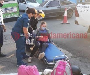 foto: Una mujer sufrió lesiones en un choque contra un automóvil
