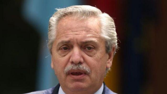 Economía: Alberto Fernández analiza dar un bono de emergencia