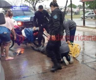 foto: Embarazada fue llevada al Hospital después de chocar en moto