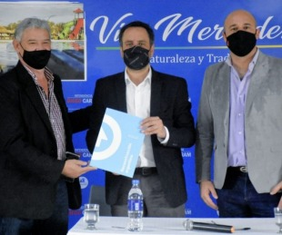 foto: Ascúa y Cabandié firmaron convenio para construir una plaza saludable