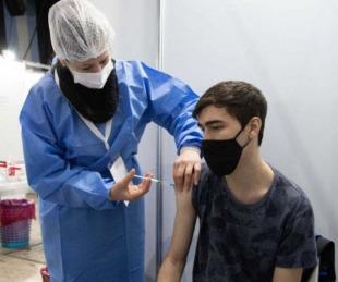 foto: Otorgan turnos de vacunación a chicos de 12 a 17 en 11 localidades