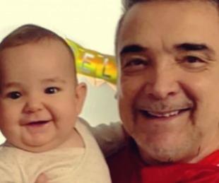 foto: El correntino Nito Artaza conoció a su nieta y mostró su emoción en redes