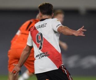 Con un triplete de Julián Álvarez, River venció a San Lorenzo