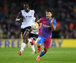 foto: Con el debut del Kun Agüero, Barcelona venció al Valencia