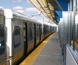 foto: Violaron a una mujer en un tren urbano y ningún pasajero la defendió