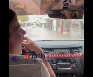 foto: Alcohol y locura: circulaban en automóvil por Plaza La Cruz y en plena Peatonal Junín