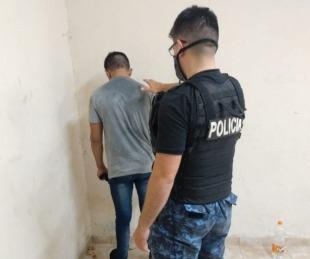 foto: Golpeó con una piedra en la cara a un policía y fue detenido